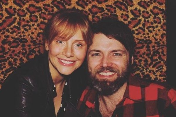 Bryce Dallas Howard i Seth Gabel 2