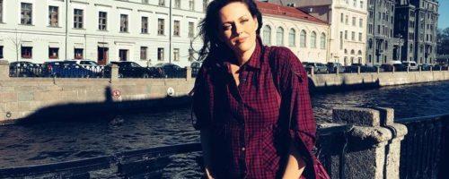 Елена Есенина: «Я дышу, а значит, я пишу»