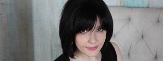Яна Шраер: «Люблю пересматривать советскую классику»